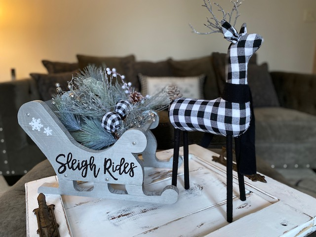 Take & Make  Sleigh Centerpiece – Porch Pickup in Homer Glen